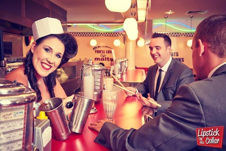 50s Tribute Band – Lipstick On His Collar