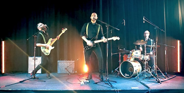 Enter The Dragon – Rock n pop and 90s Hits Wedding Band