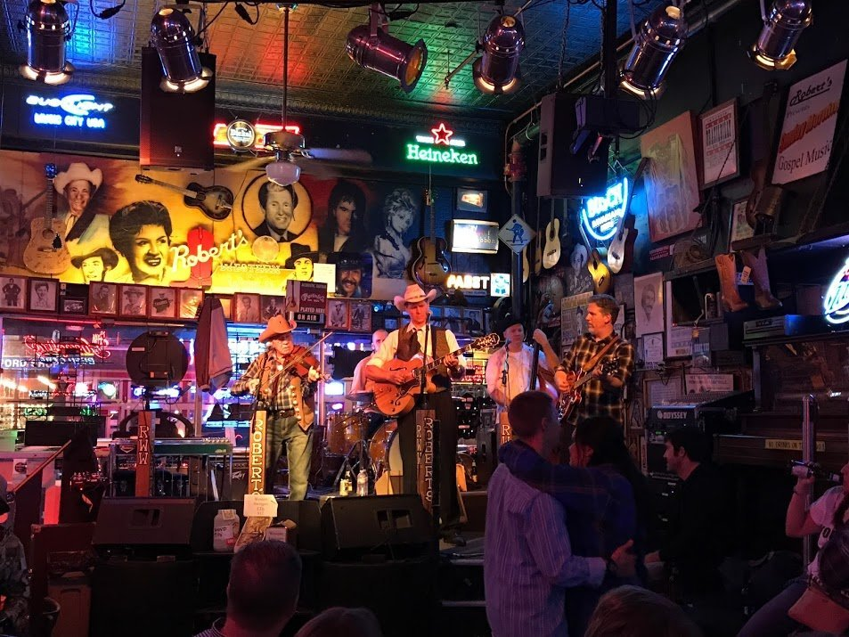 Nashville country band playing at Robert's Wester World