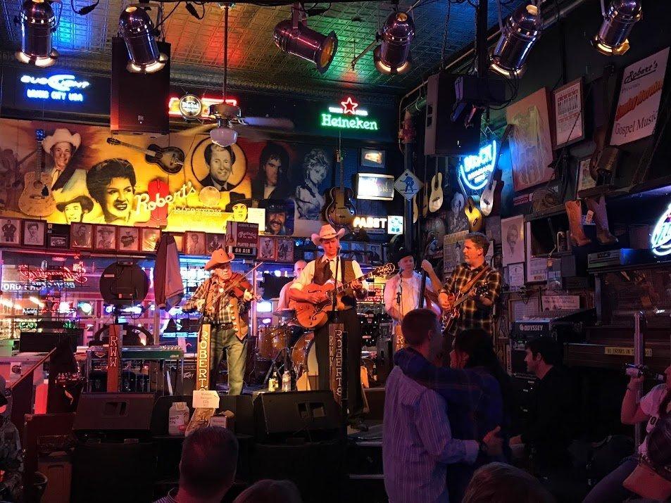 Nashville country band playing at Robert's Wester World